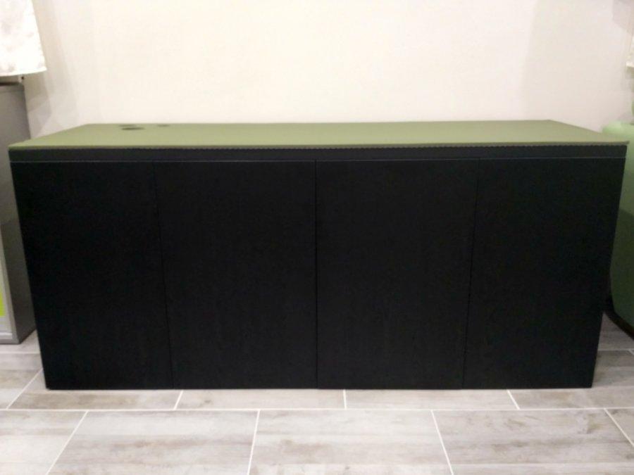 Stolik pod akva 8